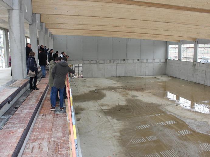 Baustelle Turnhalle Neufinsing aus einer anderen Perspektive